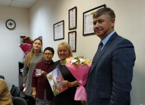 Знаками почетных жителей района наградили Ирину Игнатову и Галину Ковтун