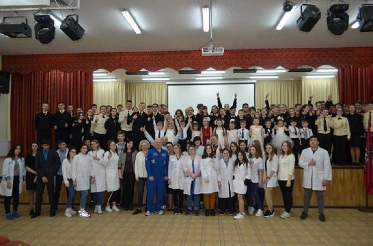 Встреча с космонавтом-испытателем прошла в образовательном учреждении № 667