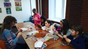 Серия мастер-классов «Сам себе декоратор» стартовала в Культурном центре «Дружба»
