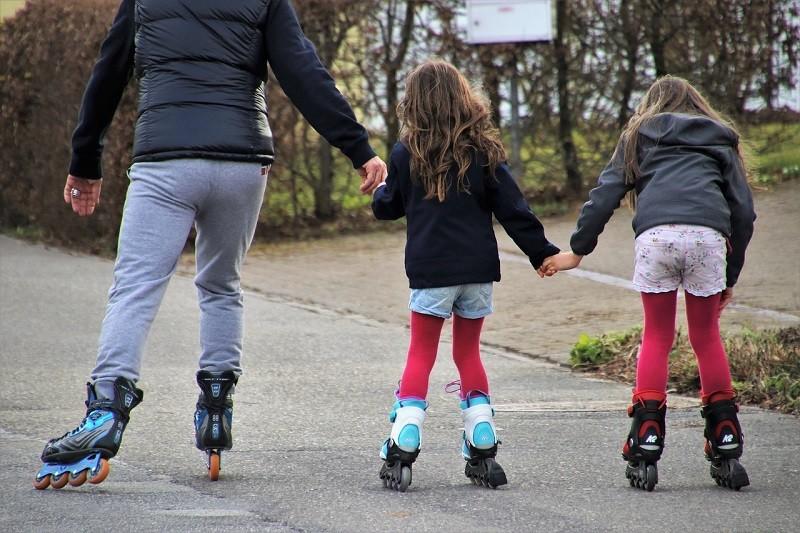 Правила безопасного катания на роликах, велосипеде и самокате