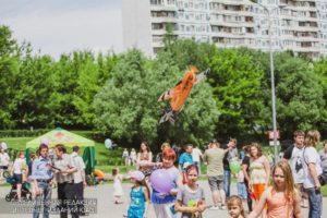Из сквера «Школьный» к кинотеатру «Бирюсинка»: «Бирюлевские посиделки» сменили локацию