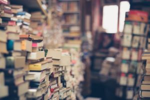 В библиотеке № 160 составили ТОП-5 лучших романов про СССР. Посты вышли на официальной странице читальни в социальной сети ВКонтакте в среду, 22 апреля.