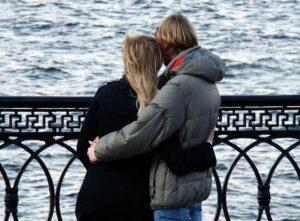 Жители Москвы определят интересные места для романтических прогулок