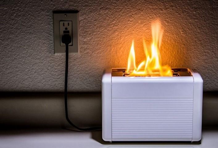 Правила пожарной безопасности при эксплуатации электробытовых приборов