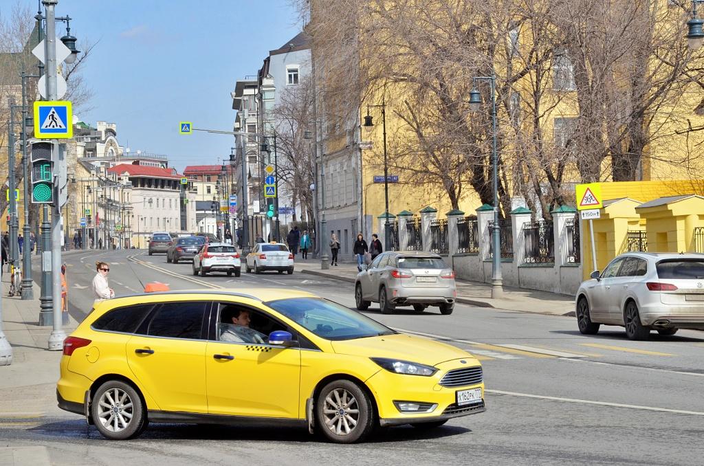 Парковка в праздничные дни для москвичей будет бесплатной
